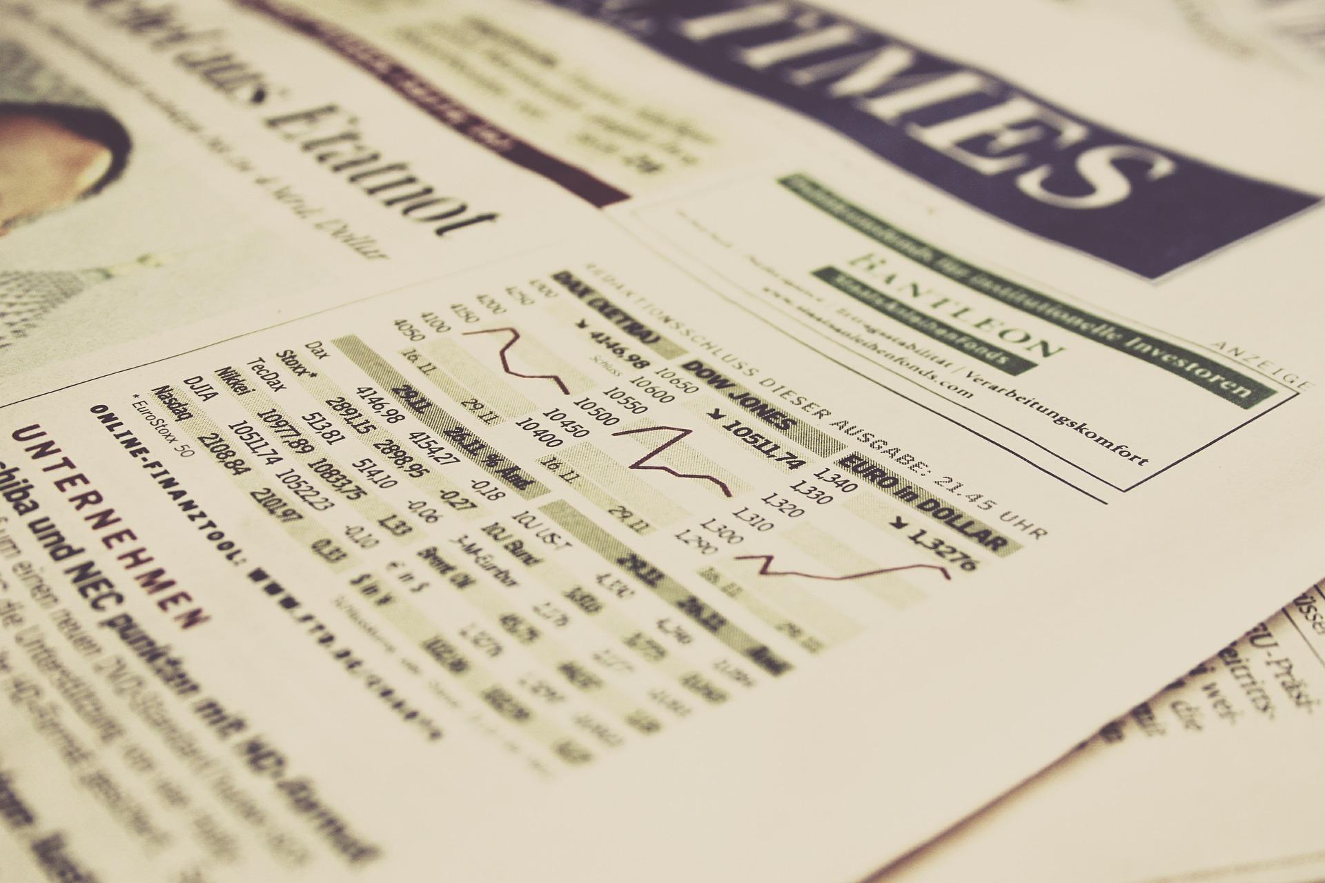 Eine Börsenzeitung mit Charts